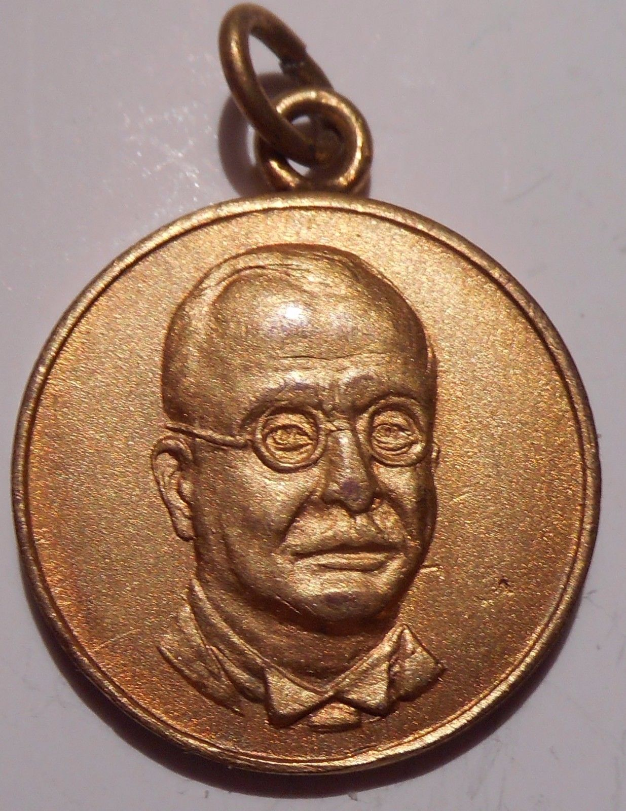 A collection of medals from the Metaxas regime | Metaxas Project